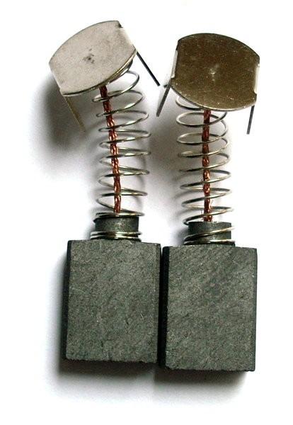 Kohlebürsten GOMES, kompatibel Kohlebürsten Makita CB-155/CB-161/CB-152/CB-153/CB-414 (6,5x13,5x16)